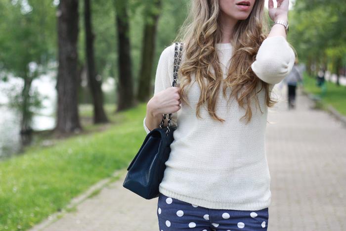 polka dots pants outfit