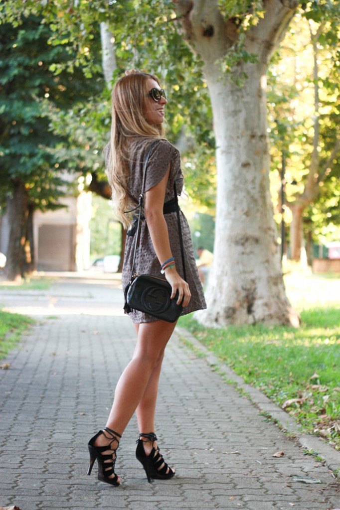 grey lace dress outfit
