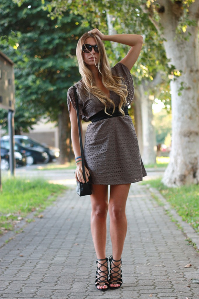 lace dress outfit