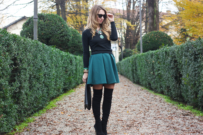 black and green outfit fashion blogger