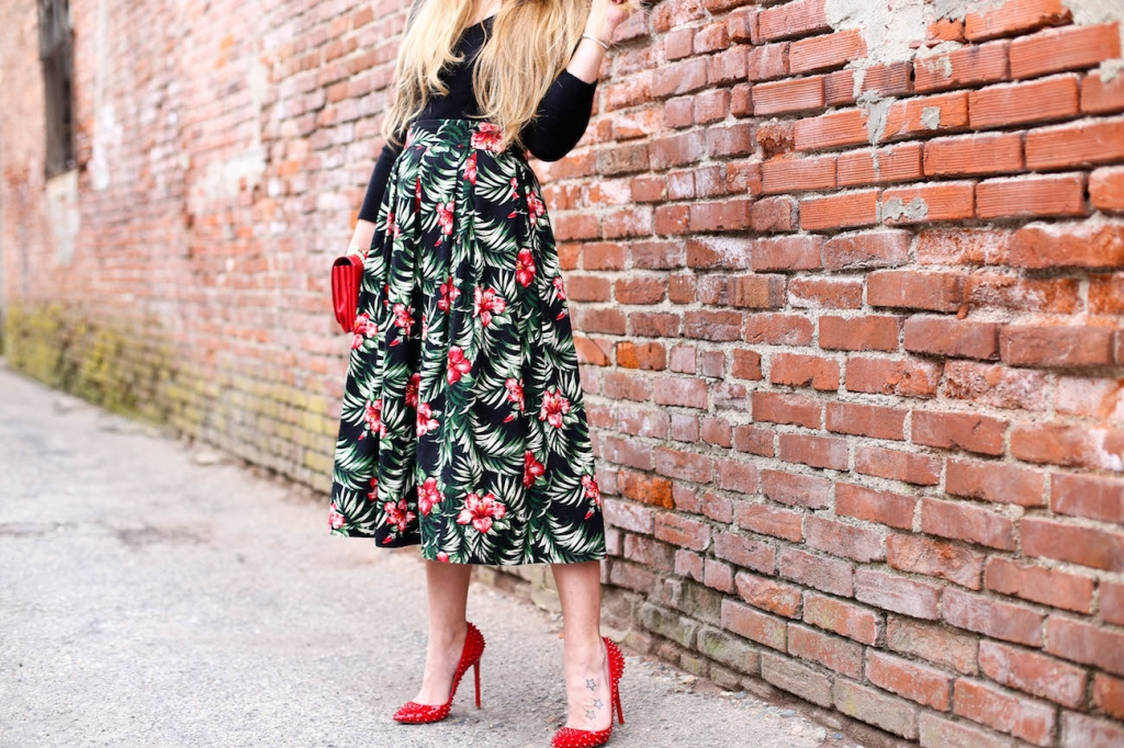 0876flowers skirt outfit